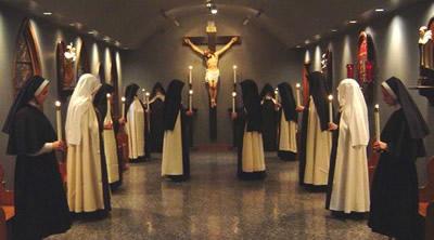 carmelite-nuns-chanting-salve-regina